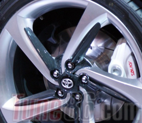 toyota ft-86 wheel, advics brakes, brake disc, calipers