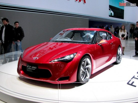 ft86 concept geneva - Toyota FT-86 concept portrait photo at Geneva Motor show 2010. Front corner pic