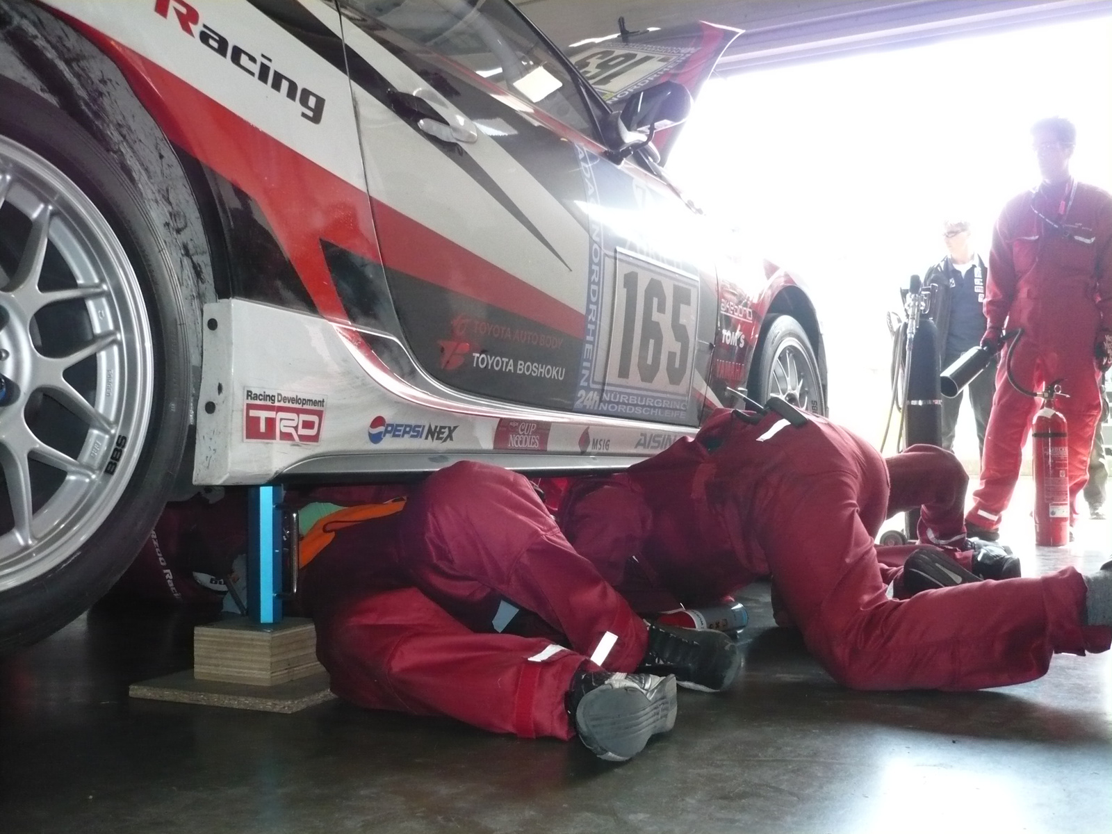 toyota 86 gazoo racing repair pits n24h