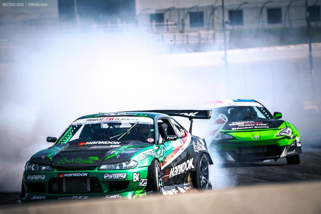 Jhonnattan Castro Scion FRS vs Forrest Wang Nissan drift
